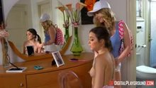 Riley Reid and Karla Kush make each other squirt
