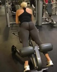 Alexia Lima Working Out