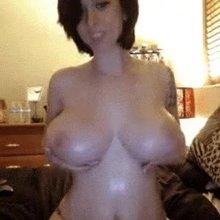 Lauren Redd jiggles her tits