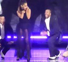 Ariana Grande's sexy dancing