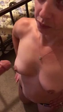Average milf blowing a neighbor (vic)