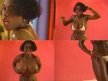 Ebony Ayes Stripping
