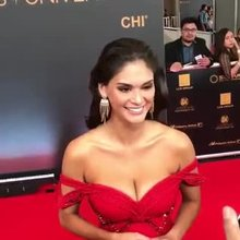 Miss Universe 2015, Pia Wurtzbach, in her sexy red dress on the red carpet