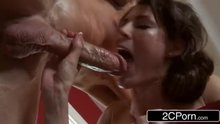 Jenni Lee Throats Her Masseur