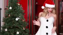 Mia Malkova has a Christmas Wank