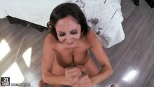 Lady Private Eye Ava Addams finds the facial she was jerking for